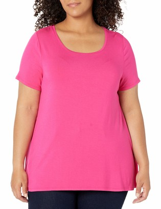 Amazon Essentials Women's Plus Size Short-Sleeve Scoopneck Swing Tee