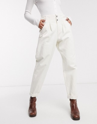 Bershka buckle detail slouchy pant in white