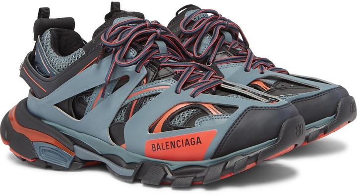 Balenciaga วางจำหน่ายสนี�เ�อร์ Track Trainer LED Light คู่สีด