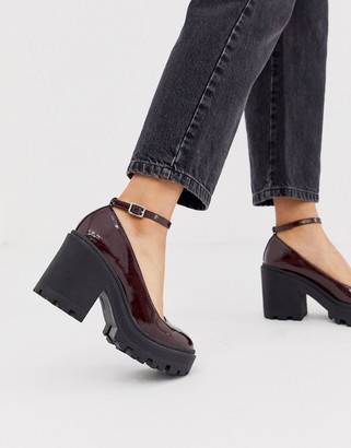 Asos Design DESIGN Summit chunky heels in burgundy patent-Red