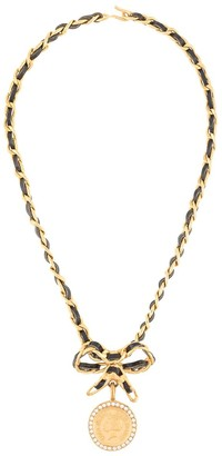 Chanel Pre Owned 1996s Rhinestone Medallion Ribbon Chain Choker Necklace