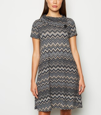 New Look Mela Jersey Geometric Swing Dress
