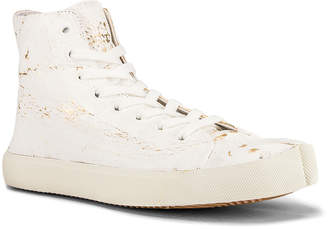 Maison Margiela Vandal Tabi Hi Top Sneaker in White & Gold | FWRD