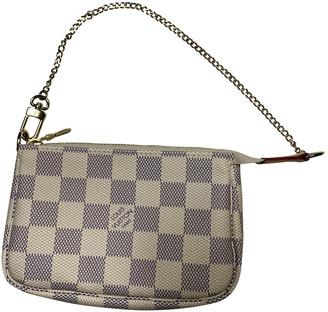 Louis Vuitton Zippy White Cloth Purses, wallets & cases