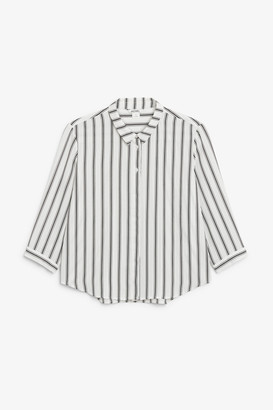 Monki Flowy pleat back blouse