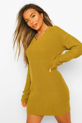boohoo Petite V-Neck Knitted Jumper Dress