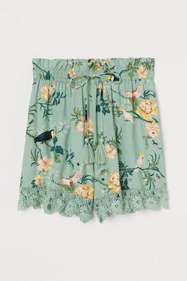 H&M Lace-trimmed Shorts