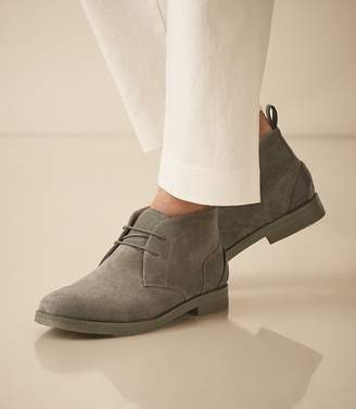 Reiss Reeves - Suede Crepe Sole Desert Boots in Mint