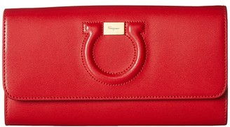 Salvatore Ferragamo Gancio City Leather Wallet on A Chain (Lipstick) Cross Body Handbags