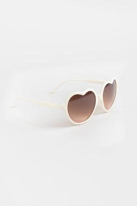 francesca's Kaytie Heart Frame Sunglasses in Ivory - Ivory
