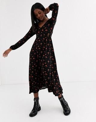 New Look long sleeve v neck dress in dark base rose floral-Black