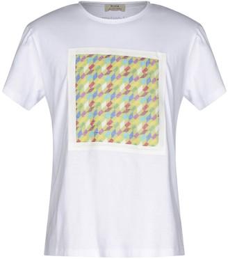 Roda AT THE BEACH T-shirts