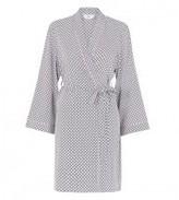 Lovable Daria Short Robe