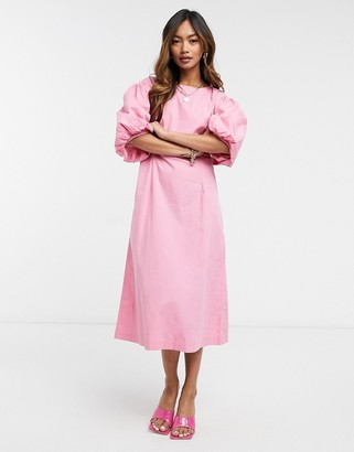 Vero Moda poplin midi dress with puff sleeves in pink