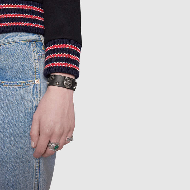Gucci Leather bracelet with feline heads
