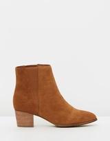 Walnut Melbourne V Boots