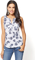 New York & Co. Sleeveless Henley Two-Pocket Top - Print