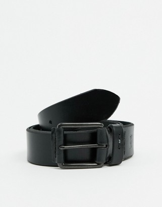 Levi's leather belt in black with matte black buckle and logo