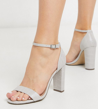New Look Wide Fit patent leather look block heeled sandals in grey