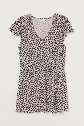 H&M MAMA Flutter-sleeved top