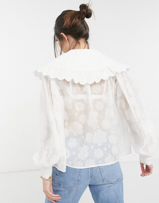 Lost Ink textured blouse with balloon sleeves and oversized frill edge collar