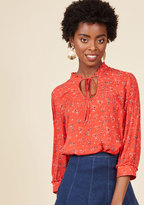 ModCloth Rustic Radiance Tie-Neck Floral Top in Red in XXS
