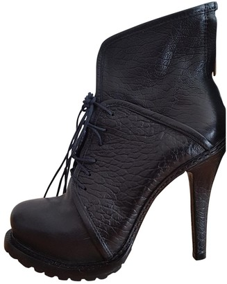 Elizabeth and James Black Leather Ankle boots