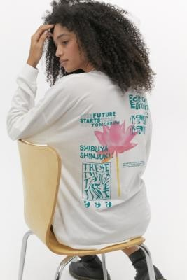 Urban Outfitters Tokyo Edition Long Sleeve Skate T-Shirt - white XS at