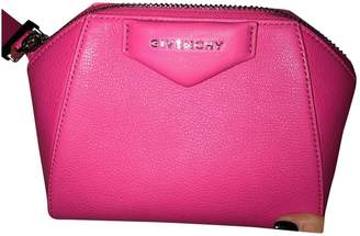 Givenchy Antigona Pink Leather Clutch bags