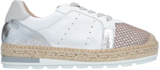 Kanna Low-tops & sneakers