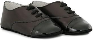 Sonatina Kids Rollins captoe crib shoes