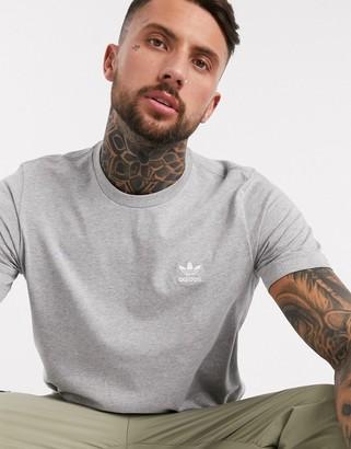 adidas essentials small logo t-shirt in grey