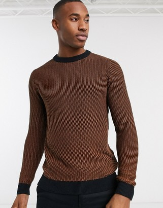 Selected crew neck textured knitted sweater in caramel