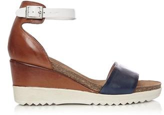 Moda In Pelle Loraynie Navy-Tan Leather