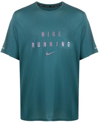 Nike Swoosh logo-print t-shirt