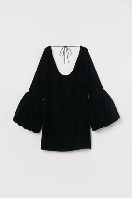 H&M Short Velvet Dress - Black
