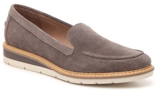 Adam Tucker by Me Too Amber Wedge Loafer