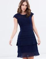 Review Panama Lace Dress