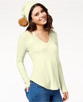 Belle Du Jour Juniors' Waffle-Knit Top with Pompom Beanie