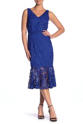 Alexia Admor V-Neck Lace Peplum Hem Dress