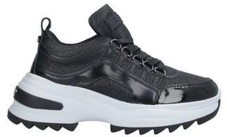 Cult Low-tops & sneakers