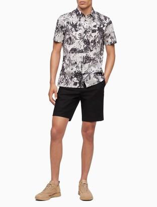 Leaf Print Button-Down Short Sleeve Shirt