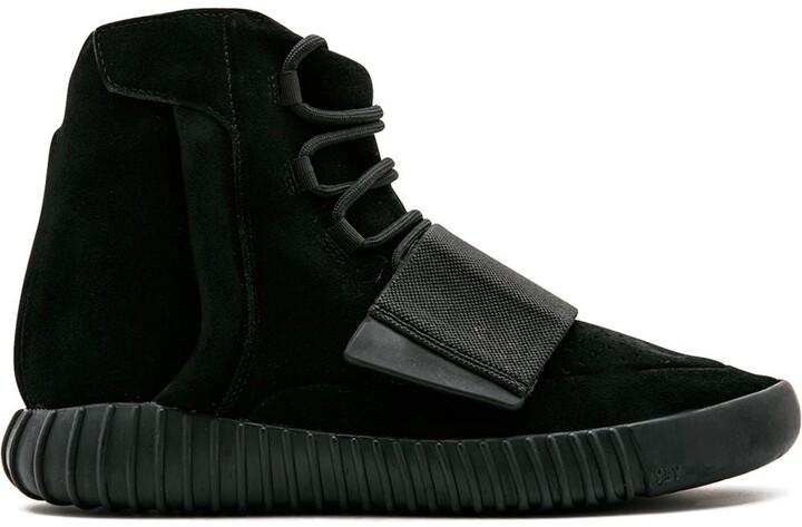 "Yeezy 750 Boost ""Triple Black"" sneakers"