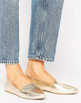 Call it SPRING Cadenasen Metallic Point Flat Shoes