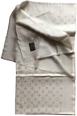 Louis Vuitton ChAle Monogram shine Silver Silk Scarves