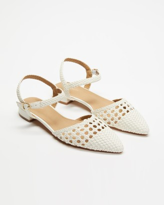 Spurr Women's White Flat Sandals - Cass Flats - Size 8 at The Iconic