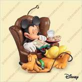 Hallmark Dreaming of Christmas Mickey and Pluto 2006 Disney Ornament QXD8306