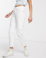 Levi's mom jean in white wash