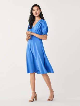 Diane von Furstenberg Idris Cinch-Sleeve Silk Crepe de Chine Dress