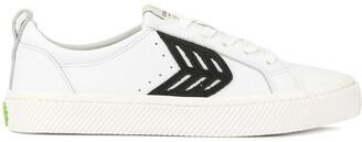 Cariuma CATIBA Low Off White Leather Black Logo Sneaker